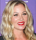 Christina Applegate Online